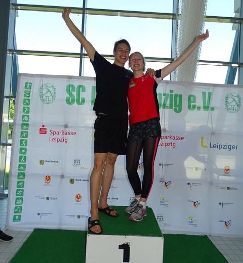 Johanna und Luis die Rekordfinswimmer